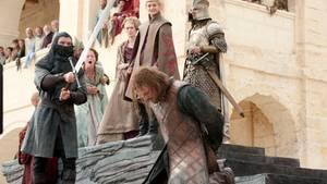 """Krieg und damit auch Kriegsverbrechen sind im """"Game of Thrones"""" an der Tagesordnung. Das Australische Rote Kreuz hat zusammengestellt, welcher Seriencharakter in den vergangenen sieben Staffeln nach internationalen Standards die meisten Kriegsverbrechen begangen hat."""