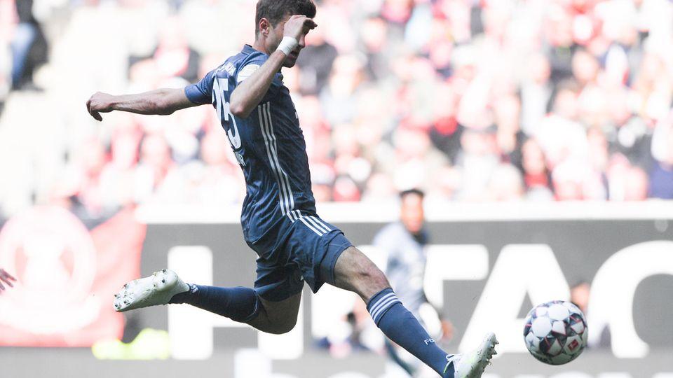 Bayern-Spieler Thomas Müller sagt, er würde solche Elfmeter wie den von Fortuna Düsseldorf am Sonntag absichtlich verschießen