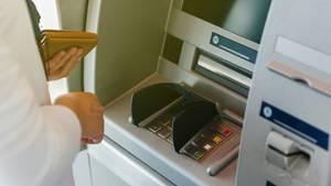 Abrufkredite sind meist günstiger als die Dispozinsen auf dem Girokonto