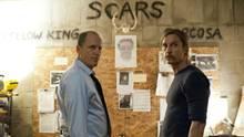 """Woody Harrelson und Matthew McConaughey stehen sich als Detectives in der Serie """"True Detective"""" gegenüber"""