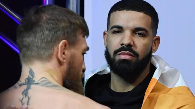 Drake mit Conor McGregor (l.) vor dessen UFC-Kampfim Oktober letzen Jahres in Las Vegas