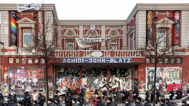 Hier will der Münchner Pegida-Chef demonstrieren: die Rote Flora in Hamburg