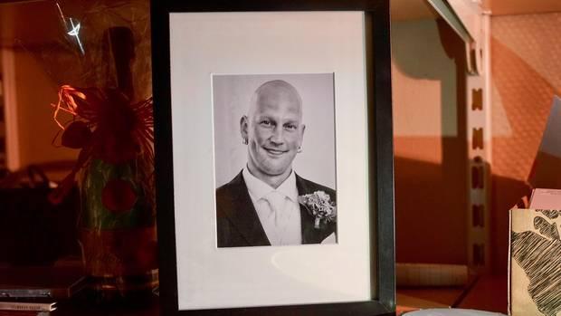 Das Bild zeigt den verstorbenen Patrick auf seiner Hochzeit