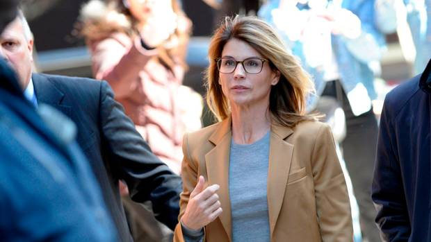 Lori Loughlin drohen bis zu 40 Jahre Haft