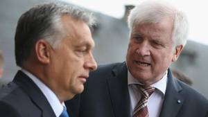 Bundesinnenminister Horst Seehofer (r.) mit Viktor Orban