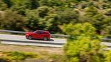 Lange Landstraßenfahren sind im Jaguar F-Pace SVR eine einzige Freude
