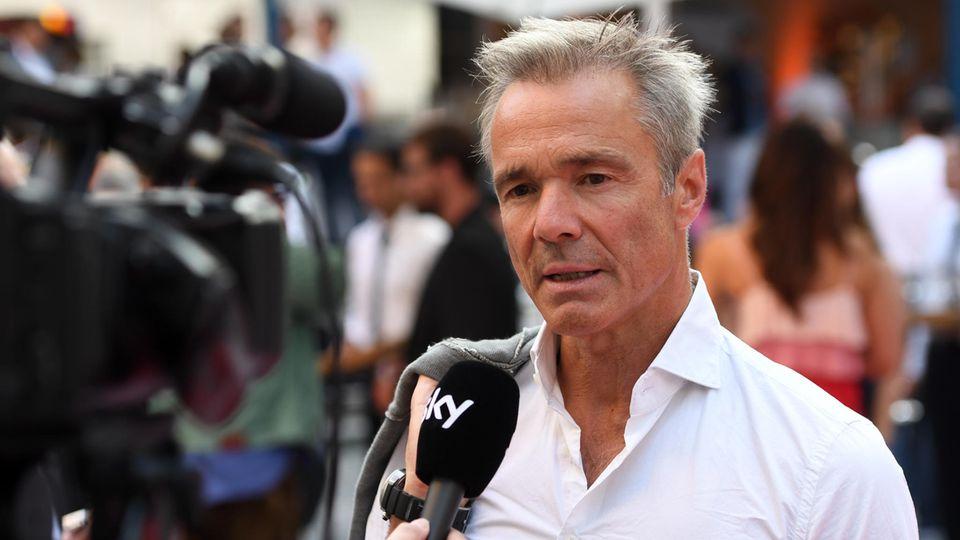 Der Schauspieler Hannes Jaenicke gibt ein Interview