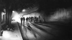 Menschen irren auf der Suche nach dem Zug nach Norden durch die Nacht