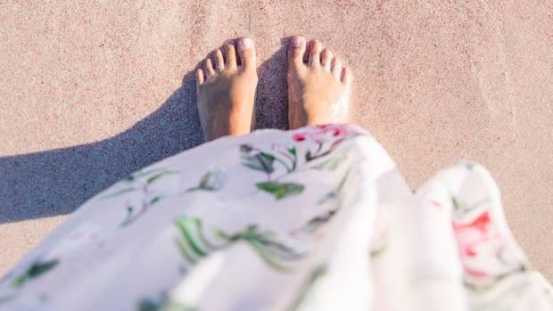 In fünf einfachen Schritten bekommst du deine Füße fit für den Frühling