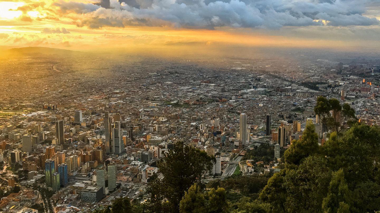 Bogota, die Hauptstadt Kolumbiens, ist eineder Regionen in Südamerika, die am schnellsten wachsen. 2013 zählte die Stadt eine Einwohnerzahl von knapp achtMillionen Bewohnern.