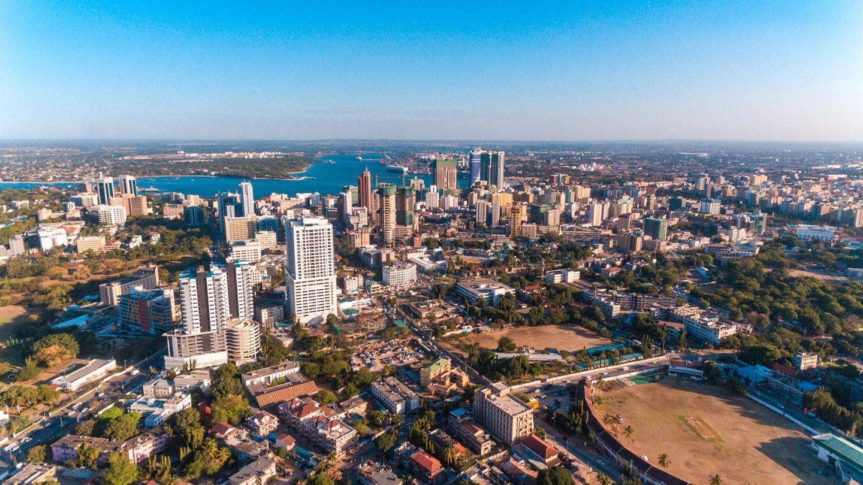 Daressalam war bis 1974 die Hauptstadt Tansanias. Der Boom der Städte ist in Afrika besonders ausgeprägt. Die Einwohnerzahl lag 2016 bei rund 5,5 Millionen Menschen - bis 2030 sollen es mehr als 10 Millionen Einwohner sein.