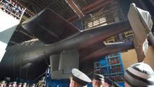 Stappellauf des Giganten. Der Rumpf wurde auf 184 Meter verlängert.
