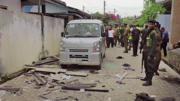 Sri Lankas Polizei findet 15 Tote nach Explosionen in umstelltem Haus