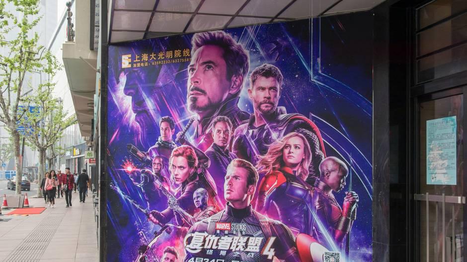 Wegen Avengers Endgame Spoiler Mann Wird Vor Kino Verprügelt Neon