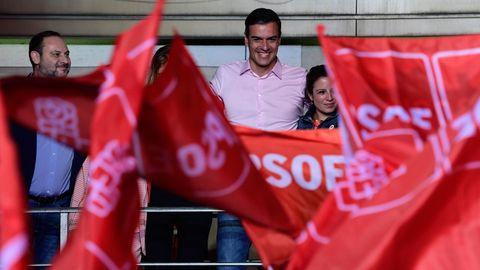 Pedro Sánchez vor Anhängern