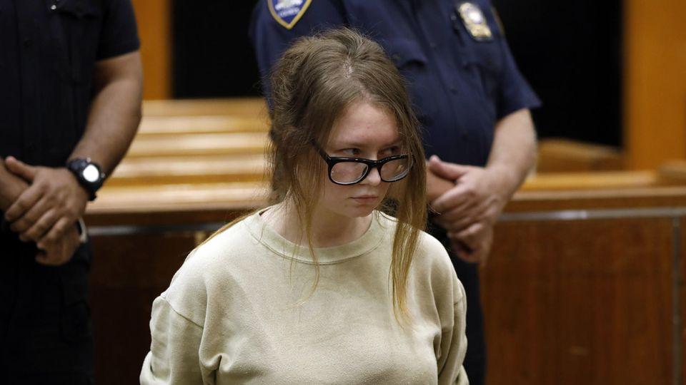 Anna Delvey im Gerichtssaal