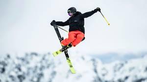 Ski- und Snowboard-Freestyler aus aller Welt zeigten im österreichischenSölden mit akrobatischen Sprüngen ihr Können.