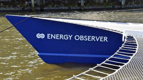 Die Energy Observer im Hamburger Hafen