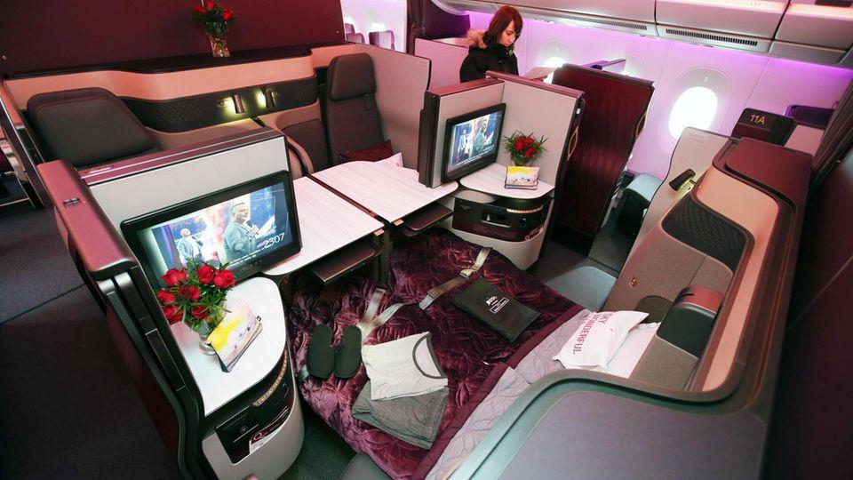 Die neue Business Class bei Qatar Airways: Im Airbus A350-1000 lassen sich die Mittelsitze zu kleinen Appartements mit zwei oder vier Sitzplätzen arrangieren.
