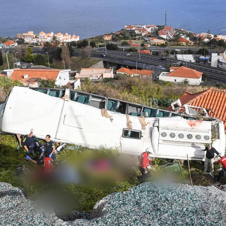 Tragische Verwechslung: Busunglück auf Madeira: Söhne wachen an Krankenbett der falschen Stiefmutter