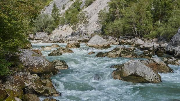 Ungezähmt: Die Enns schlängelt sich durch das Gebirge, ihr Rauschen ist noch in den Bergen zu hören