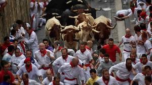 Unser Bild zeigt die Stierhatz in Pamplona im Juli des vergangenen Jahres (Archivbild)