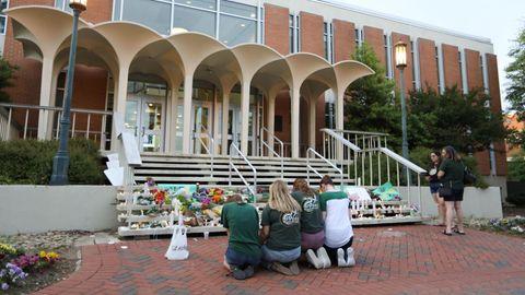 Schüler trauern um getötete Studenten an Uni in North Carolina