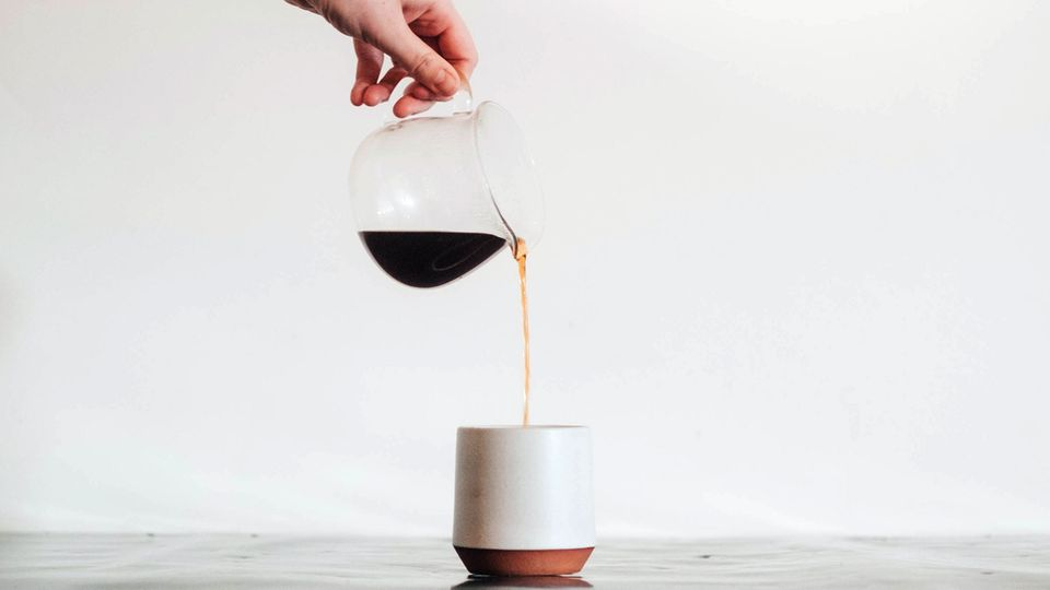 Von Karaffe bis Milchaufschäumer: Wir zeigen dir unsere liebsten Kaffee-Gadgets