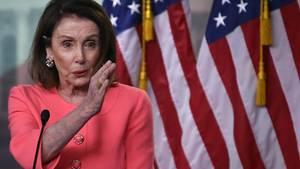 Nancy Pelosi bezichtigt US-Justisminister William Barr der Lüge