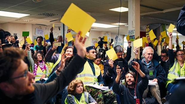 Basisdemokratisch und manchmal laut: Versammlung in Saint-Nazaire Anfang April