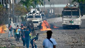 Straßenschlachten zwischen Demonstranten und Sicherheitskräften in Caracas, Venezuela