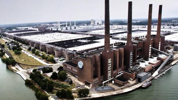 Der Stammsitz des VW-Konzerns in Wolfsburg: Über 80 Jahre Geschichte. 650.000 Mitarbeiter weltweit. 235,8 Milliarden Euro Umsatz im Jahr 2018.