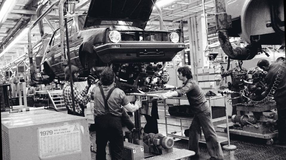 Auto für die Massen: Seit 1974 wurde der Golf produziert – ein Welterfolg, der bald in achter Modellgeneration durch die Straßen fahren wird