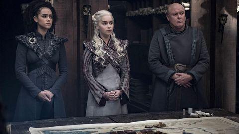 Gebrochenes Versprechen: Hier kämpfen Daenerys und Varys noch für die gleiche Sache. Doch einige Momente später wendet sich das Blatt - wegen einer geschickten Aktion Sansas.