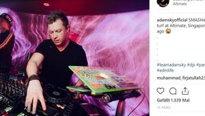 Auf seinem Instagram-Kanal hat Adam Neatviele seiner Auftritte als DJ Adam Sky gepostet - hier von einem Festival im März