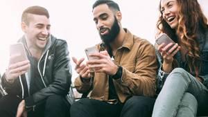 Das mobile Nutzungsverhalten hat sich durch die größeren Datenvolumen verändert (Symbolbild)