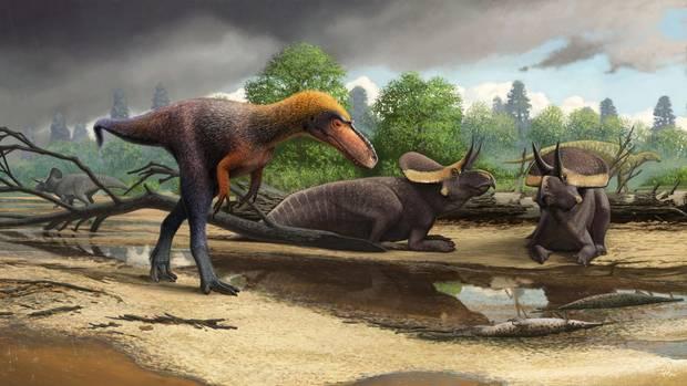 Die neu identifizierte Art Suskityrannus hazelae neben zwei anderen Dinosauriern.