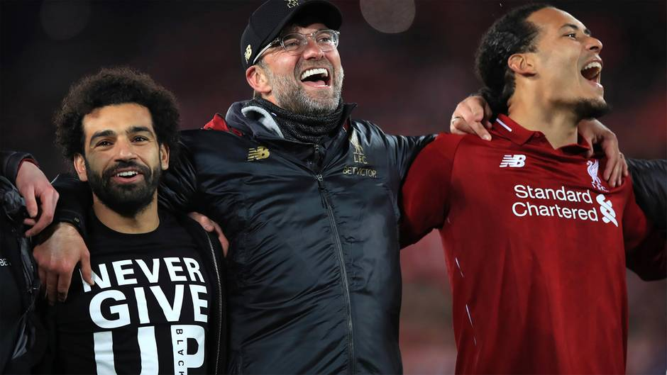 Liverpool-Trainer Jürgen Klopp freut sich mit Teamkollegen über den überraschenden 4:0-Sieg gegen Barcelona im Halbfinale der Champions League 2019.