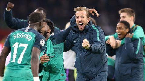 Tottenham Hotspur - Harry Kane und Kollegen feiern den sensatioellen Last-Minute-Sieg bei Ajax