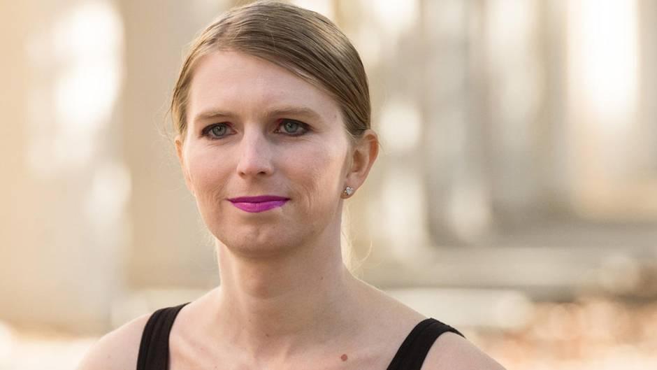 Chelsea Manning wurdeim August 2013 wegen Spionage zu 35 Jahren Gefängnis verurteilt von Barack Obama jedoch begnadigt