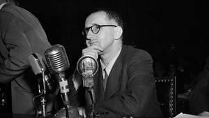 """""""Kinderhymne"""" von Bertolt Brecht: Dieses Gedicht hätte die deutsche Nationalhymne sein können"""