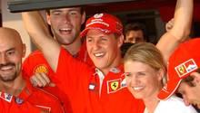 Michael Schumacher feiert 2001 seinen WM-Titel