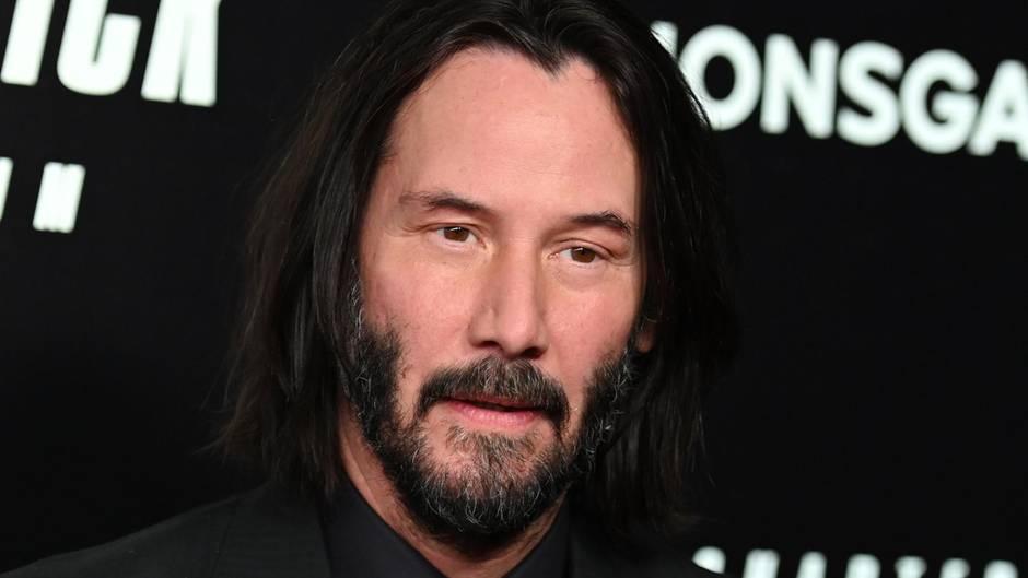 """Keanu Reeves posiert mit Vollbart bei der Weltpremiere von""""John Wick: Kapitel 3"""""""