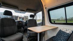 Die vorderen Sitze können gedreht werden.