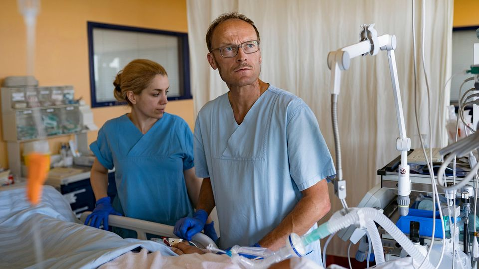 """""""Es war der Wille meines Sohnes"""": Ein Gespräch über Organspende - mit einem Vater, der durch einen Unfall beide Kinder verlor"""