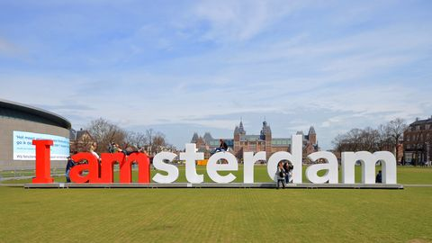 """""""Most instagrammable"""": Der Selfie-Treffpunkt in Amsterdamam Platz vor dem Rijksmuseum"""