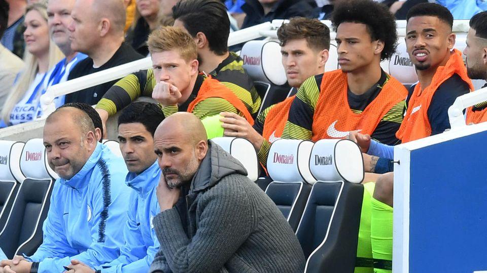 Pep Guardiola, Trainer von Manchester City,und seinem Team droht ein Ausschluss aus der Champions League