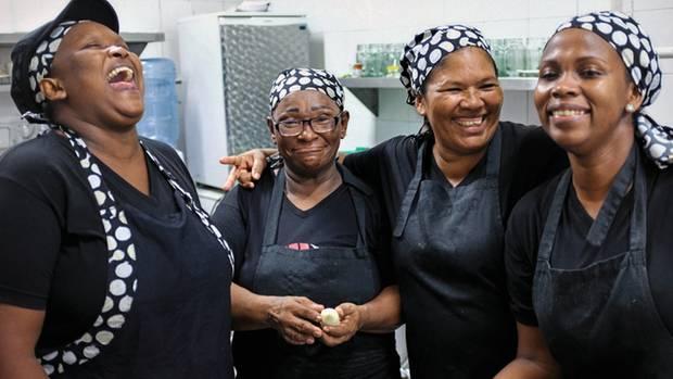 Die Insassinnen arbeiten gern im Restaurant. Sie werden bezahlt – und können außerdem ihre Haftzeit reduzieren.