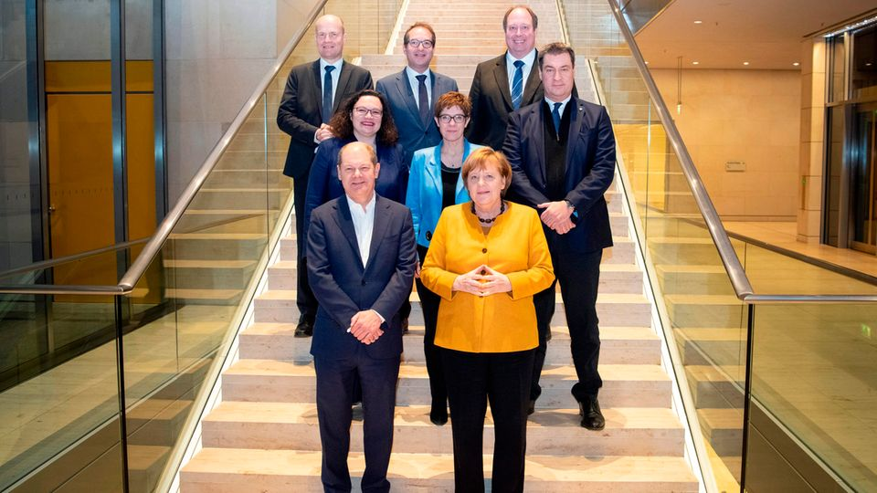 Brinkhaus, Dobrindt, Braun, Nahles, Söder, Scholz und Merkel vor dem Koalitionsausschuss im März