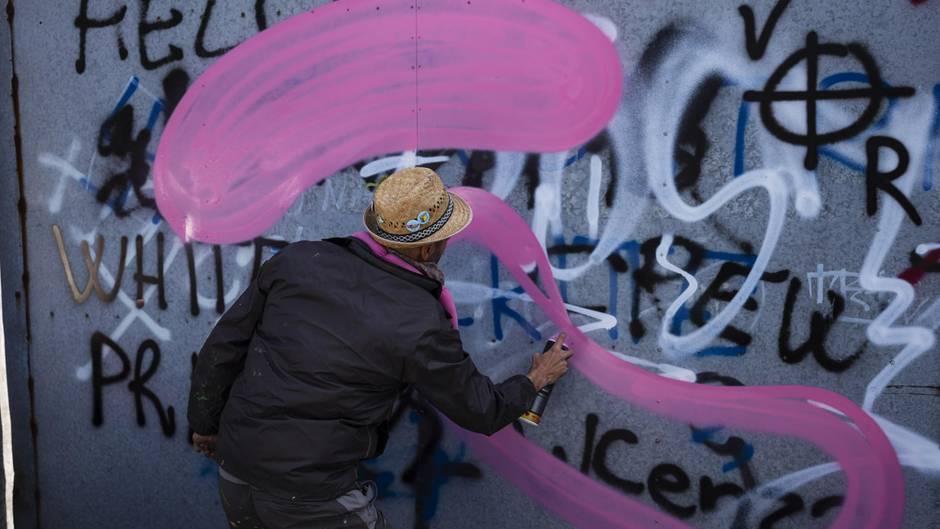 Streetartkünstler Cibo bei der Arbeit